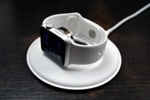 Karikues magnetik apple per apple watch magnetic dock charger bli online porosit dyqan taxi