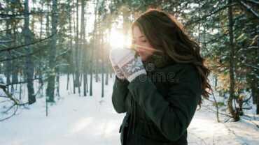 dimri stina e dimrit floket gjumi shendeti gjumi lekura